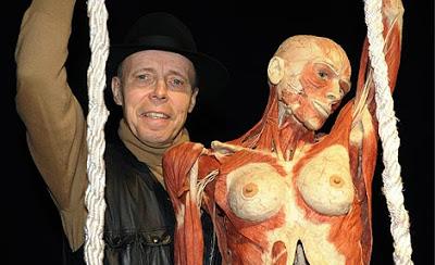 Los cuerpos 'plastinados' ahora practican sexo