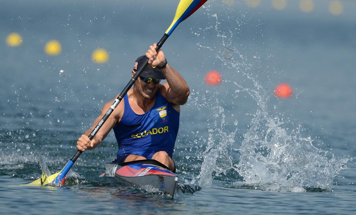 Ecuador's Cesar De Cesare competes in the kayak single (K1) 200m men's semifinals during the London 2012 Olympic Games, at Eton Dorney Rowing Centre in Eton, west of London, on August 10, 2012. AFP PHOTO / DAMIEN MEYER