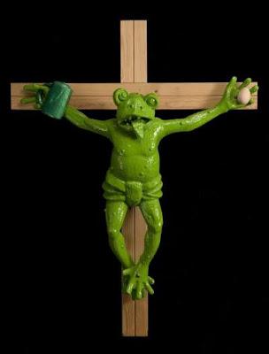 Una rana crucificada expuesta en el nuevo Museo de Arte Moderno de Bolzano desata las críticas
