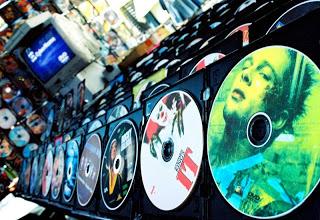 El Mito del Momento…No viajes con DVDs Piratas!