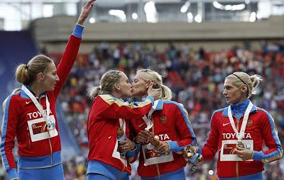 Dos atletas rusas en contra de ley anti-gay de Putin